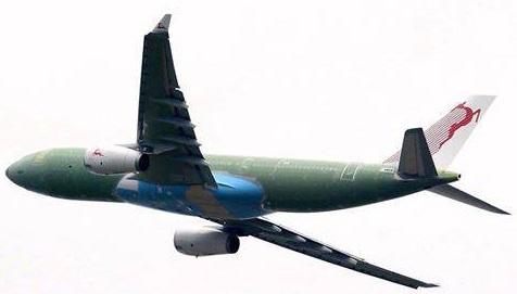 Premier vol pour l'A.330 de Tunisair à Toulouse, siège de l'usine Airbus;