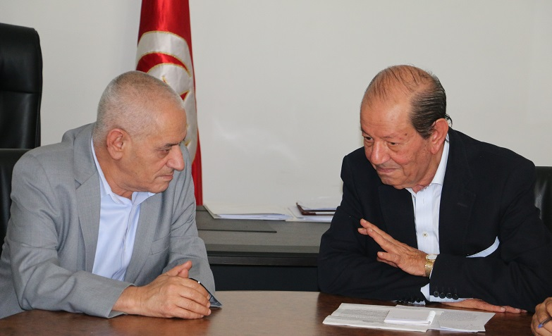 Houcine Abassi (à g.) et Radhouane Ben Salah lors de la rencontre.