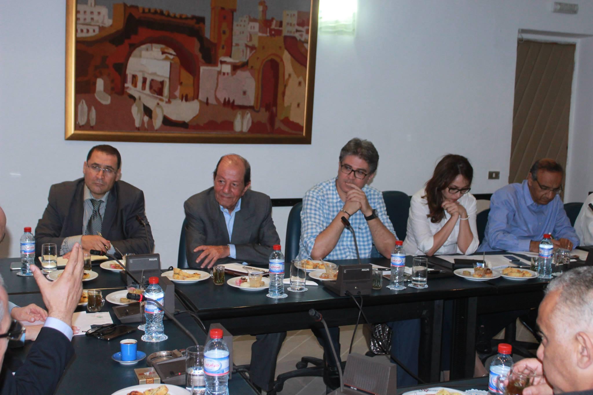 De gauche à droite, présents à la réunion: le DG de l'ONTT, le président de la FTH, celui de la FTAV, la SG de la FTAV et le président de la FRH du sud-est.
