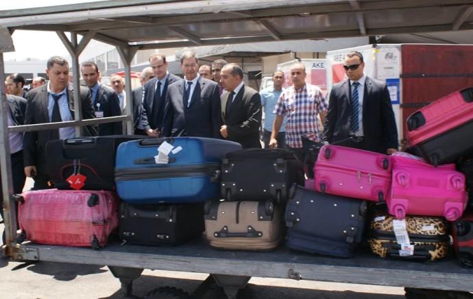 Sans se faire annoncer, le chef du gouvernement débarque à l'aéroport