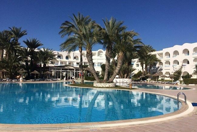 Djerba: l'hôtel Golf Beach s'effondre dans le sillage de Fram