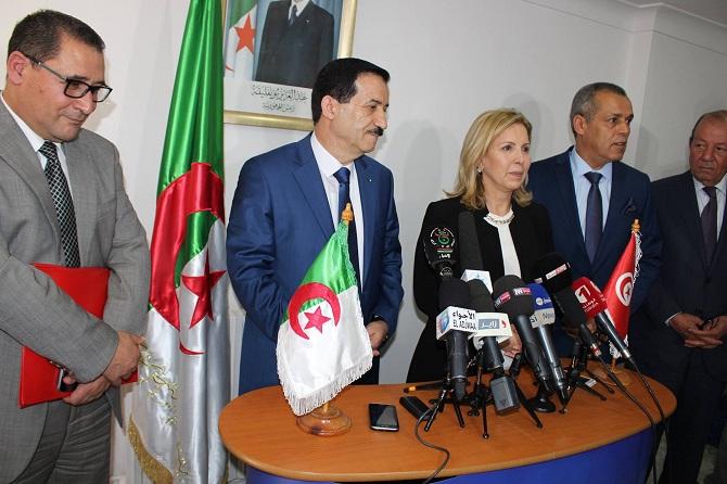 A Alger, conférence de presse conjointe entre les ministres du Tourisme d'Algérie et de Tunisie, en présence du directeur général de l'ONTT et du président de la FTH.