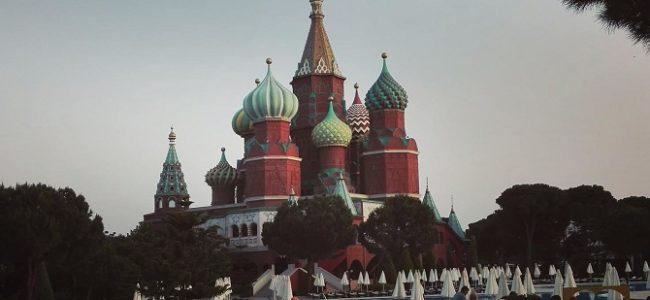 A Antalya, les touristes russes accueillis en VIP