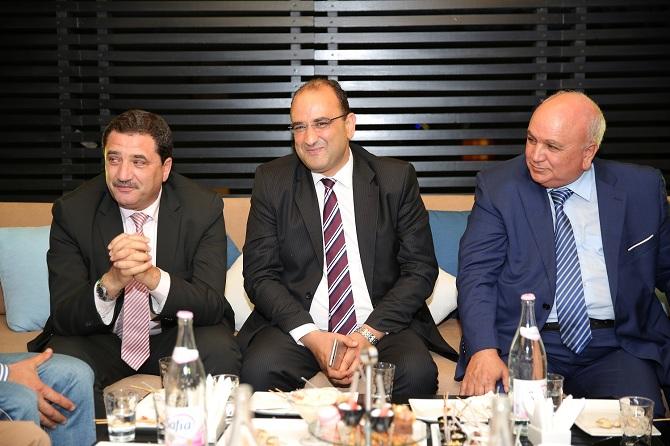 Le ministre du Transport, Anis Ghedira (au centre) et le PDG de Tunisair, Elyès Mnakbi (à g.) étaient présents à l'événement.
