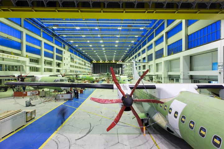 montage-avion-ATR