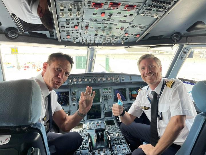 air-france-cockpit